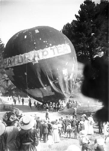 Suratura Balloon Carnival 24/11/1910